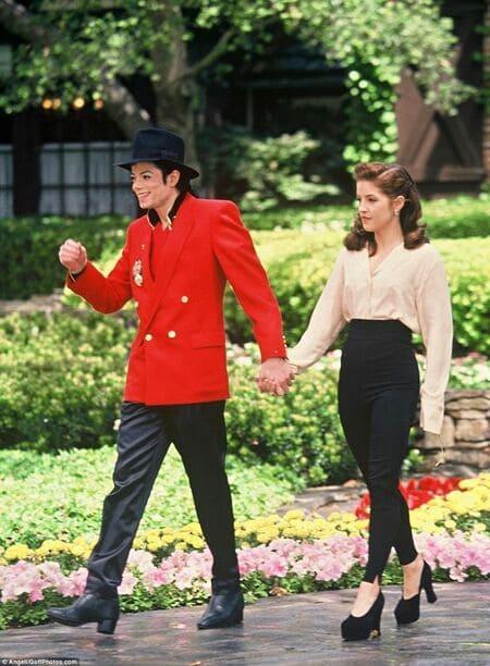 Майкл Джексон и Лиза Пресли в полный рост
