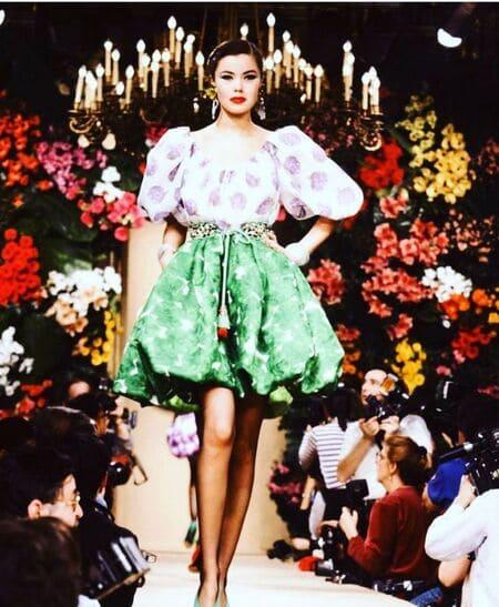 Выход Татьяны в модном показе Ива Сен-Лорана