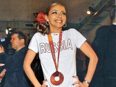Татьяна Навка с медалью