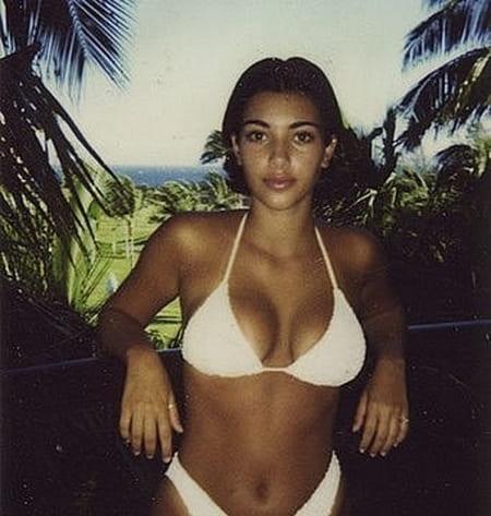 Ким Кардашьян в молодости в купальнике
