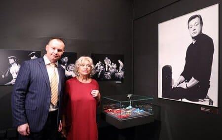 Сын и жена Николая Караченцова